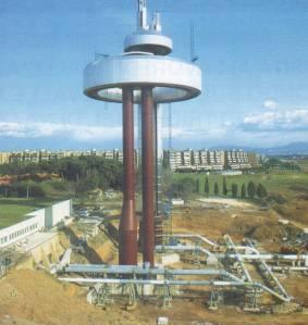 Serbatoio pensile recentemente costruito a Roma all'Eur