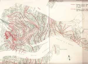 Planimetria rete acquedotto di Venezia con curve di ugual pressione dell'ora di punta