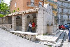 Fontana pubblica con lavatoio